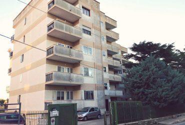 Appartamento di 4 vani + doppi acc. #FL61