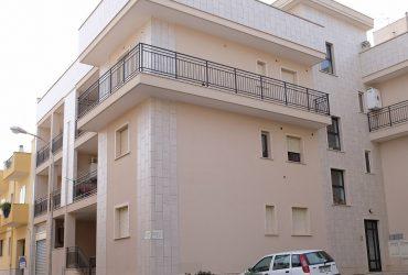 Appartamenti di 2/3 vani + acc. con box #ES28