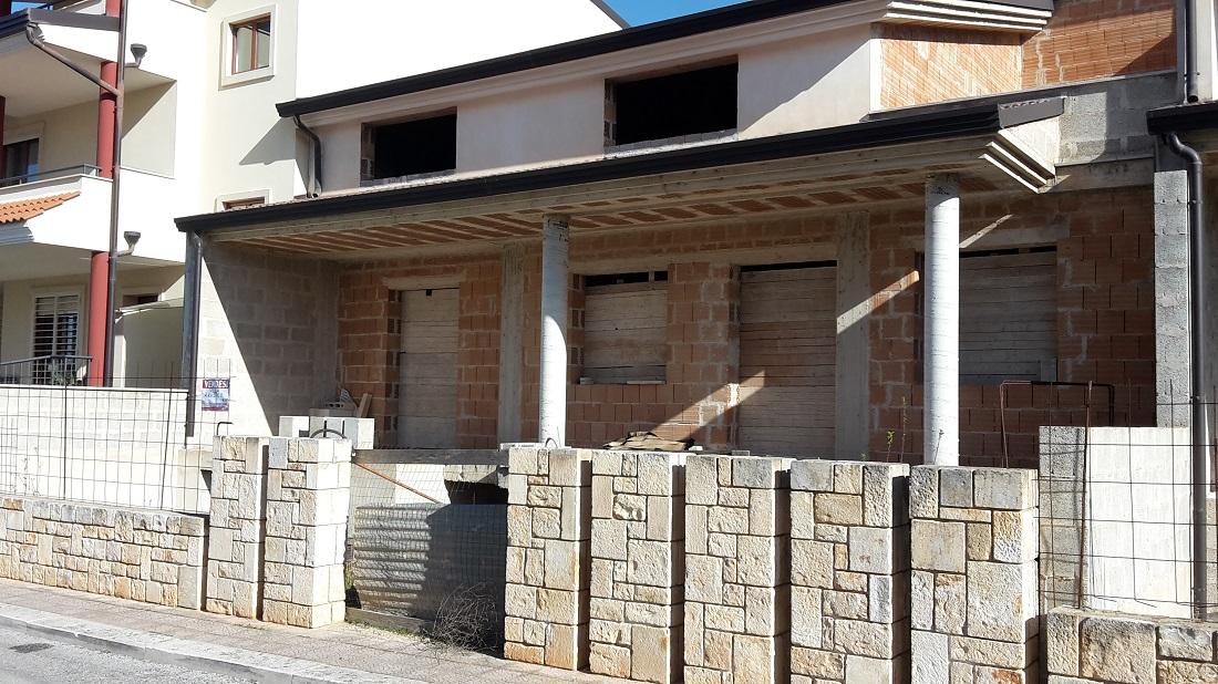 Villa a rustico in zona centrale