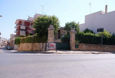 Villa di ampia metratura in pieno centro #EC63
