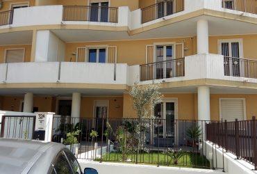 Appartamento al 1° piano di 4 vani + doppi acc. #BM64