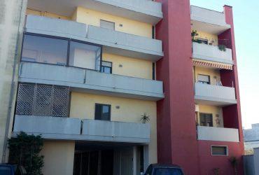 Appartamento al 2° piano di 3 vani + acc. #CT40