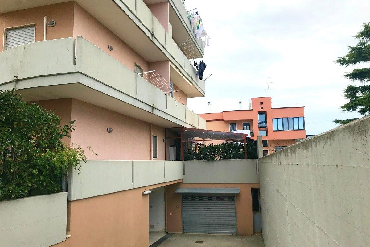 Appartamento al 1° piano di 3 vani + acc.