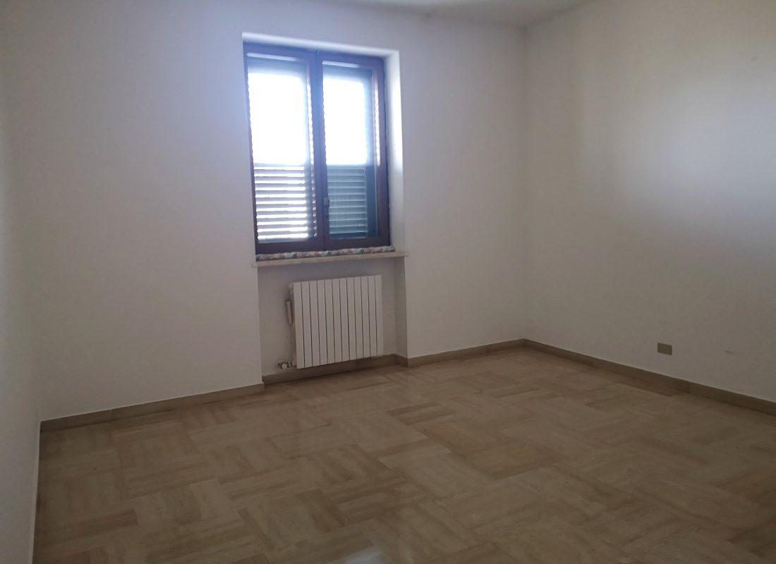 Appartamento a piano rialzato con box