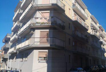 Appartamento al 4° piano di 4 vani + acc. #MF78