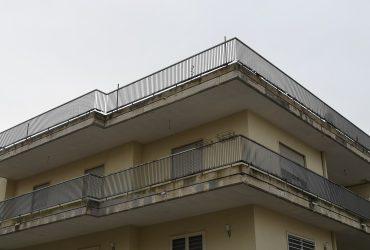 Appartamento al 2° piano di 4 vani + doppi acc. #AR37